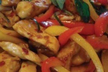 Обжаренные куриные грудки с овощами по-китайски